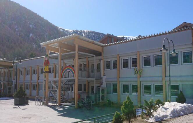 Schulbetrieb in Provisorien 4